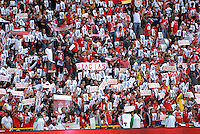 BOGOTA - COLOMBIA - 14-05-2016: Hinchas de Independiente Santa Fe, muestran carteles para despedir a Luis Seijas, durante partido por la fecha 18 entre Independiente Santa Fe y Fortaleza FC, de la Liga Aguila I-2016, en el estadio Nemesio Camacho El Campin de la ciudad de Bogota.  / Fans Independiente Santa Fe, show posters to dismiss Luis Seijas, during a match of the date 18 between Independiente Santa Fe and Fortaleza FC, for the Liga Aguila I -2016 at the Nemesio Camacho El Campin Stadium in Bogota city, Photo: VizzorImage / Luis Ramirez / Staff.