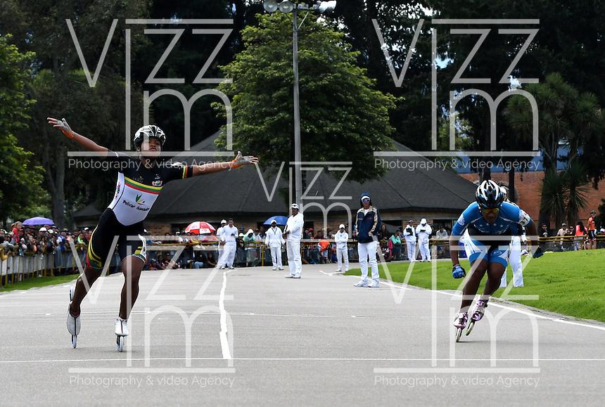 BOGOTA - COLOMBIA - 29-01-2017: Geimy Pajaro (Izq.), patinadora del Club CMB Cartagena de Bolivar, gana la prueba de los 100 Metros Mayores Damas, en la IV Valida Nacional Interclubes de Carreras 2017 en el Patinodromo El Salitre de la ciudad de Bogota. / Geimy Pajaro (L), skater of CMB Cartagena Club, of Bolivar, wins the test of the 100 Meters Senior Ladies as part of the IV Interclubs National Valid of Speed Race 2017 at El Salitre Patinodromo in Bogota city Photo: VizzorImage / Luis Ramirez / Staff.