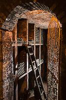 Europe/France/Centre/Indre-et-Loire/Vallée de la Loire/ Chançay: Domaine Vigneau-Chevreau - belles caves troglodytiques - AOP - Apellation Vouvray controlée // France, Indre et Loire, Chancay: Vigneau-Chevreau area - beautiful troglodyte caves - AOP - Apellation Vouvray controlled