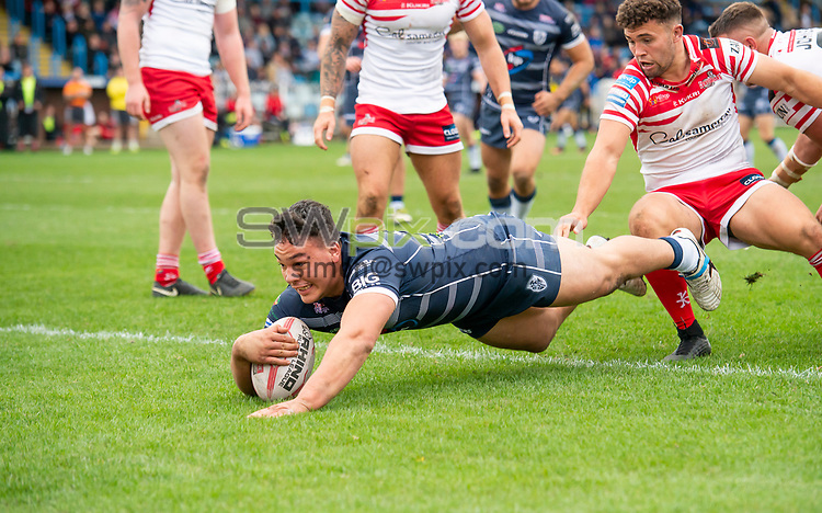 Picture by Allan McKenzie/SWpix.com - 07/10/2018 - Rugby League - Betfred Championship Shield Super 8's Final - Featherstone Rovers v Leigh Centurions - LD Nutrition Stadium, Featherstone, England - Featherstone's Tyler Dupree scores a try against Leigh.