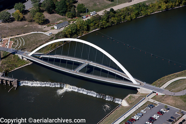 aerial photograph Center Street Bridge, Des Moines, Iowa
