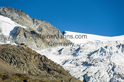 Switzerland, Canton Valais, near Grimentz: mountain hut Cabane de Moiry 2.825 m and the Moiry Glacier (Glacier de Moiry) | Schweiz, Kanton Wallis, bei Grimentz: die Cabane de Moiry 2.825 m vor dem Moirygletscher (Glacier de Moiry)