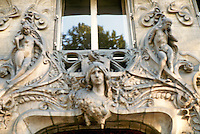 Jules Lavirotte: 29 Avenue Rapp, Paris, 1901. Detail above entrance.
