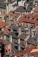Europe/France/Rhône-Alpes/69/Rhône/Lyon: Les toit du vieux Lyon vus depuis la basilique Notre-Dame-de-Fourvière (1896 Gothico-byzantine)