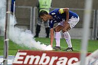 Belo Horizonte (MG), 28/11/2019 - Cruzeiro-CSA - Sinalisadores - Partida entre Cruzeiro e CSA, válida pela 35a rodada do Campeonato Brasileiro no Estadio Mineirão em Belo Horizonte nesta quinta feira (28)