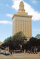 Oakland:  Oakland City Hall. Palmer, Hombostel, & Jones, 1911-14.