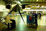 12 gennaio 2012, ore 11,54,Genova Sestri, Piaggioaero <br /> operatori eseguono test di collaudo a terra del velivolo P. 180 Avanti II