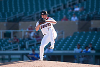 Salt River Rafters relief pitcher Kevin Ginkel (25), of the Arizona Diamondbacks organization, delivers a pitch during an Arizona Fall League game against the Surprise Saguaros at Salt River Fields at Talking Stick on November 5, 2018 in Scottsdale, Arizona. Salt River defeated Surprise 4-3 . (Zachary Lucy/Four Seam Images)