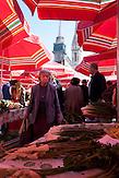Auf dem Markt Dolac findet man jeden Tag die frischesten Lebensmittel aus den heimischen Gärten. / On the Dolac market is held every day the freshest food from local gardens.