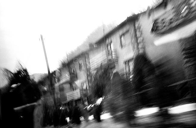BOSNIA-HERZEGOVINA, Belgrade-Sarajevo Road, 03/2003..The is the first picture I've taken in Bosnia. It was impossible to take pictures at the controle pass border where we had to wait 2 hours.  .BOSNIE-HERZEGONVINE, Route Belgrade-Sarajevo, 03/2003..Photo prise depuis le bus qui relie Belgrade à Sarajevo. C'est la première photo prise en Bosnie. C'était impossible de prendre des photos au poste frontière où nous avons attendu 2 heures. © Bruno Cogez .