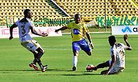 CARTAGENA - COLOMBIA, 11-02-2021: Real Cartagena y Llaneros F. C., durante partido de la fecha 5 por el Torneo BetPlay DIMAYOR 2021 en el estadio Jaime Moron de la ciudad de Cartagena. / Real Cartagena and Llaneros F. C., during a match of the 5th for the BetPlay DIMAYOR 2021 Tournament at the Jaime Moron stadium in Cartagena city. Photo: VizzorImage / Javier Garcia / Cont.