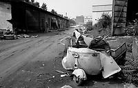 SESTO SAN GIOVANNI (MI) - 1990<br /> AREA INDUSTRIALE DISMESSA FALCK.<br /> FOTO LIVIO SENIGALLIESI