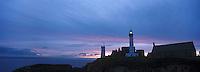 Europe/France/Bretagne/29/Finistère/Env Le Conquet: Coucher de soleil sur l'abbaye et le phare à la pointe Saint-Mathieu