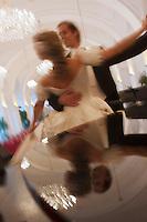 Europe/Autriche/Niederösterreich/Vienne:Valse Viennoise au Palais de Schönbrunn, Château de Sissi l'Impératrice. Auto N:  2009-101, 2009-102