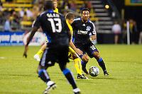 27 MAY 2009: #10 Arturo Alvarez of the San Jose Earthquakes in action during the San Jose Earthquakes at Columbus Crew MLS game in Columbus, Ohio on May 27, 2009. The Columbus Crew defeated San Jose 2-1