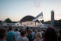 Waehrend des 26. Liederfestes (Laulupidu) in Tallin, Estland.<br /> <br /> Engl.: Europe, the Baltic, Estonia, Tallinn, 26th Laulupidu - Song and Dance Celebration, song festival, traditional, culture, population, visitors, crowd, 05 July 2014