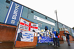 Fans reading messages of support for Bury FC outside Gigg Lane. 28/08/2019. Gigg Lane, Bury. Photo by Paul Thompson.