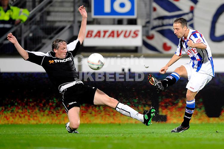 voetbal sc heerenveen - heracles seizoen 2008-2009 12-09-2008  roy beerens passt..