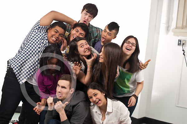 High school group of students posing
