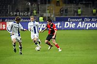 Martin Fenin (Eintracht) gegen Bernd Korzynietz und Jonas Kamper (Bielefeld)<br /> Eintracht Frankfurt vs. Arminia Bielefeld, Commerzbank Arena<br /> *** Local Caption *** Foto ist honorarpflichtig! zzgl. gesetzl. MwSt. Auf Anfrage in hoeherer Qualitaet/Aufloesung. Belegexemplar an: Marc Schueler, Am Ziegelfalltor 4, 64625 Bensheim, Tel. +49 (0) 6251 86 96 134, www.gameday-mediaservices.de. Email: marc.schueler@gameday-mediaservices.de, Bankverbindung: Volksbank Bergstrasse, Kto.: 151297, BLZ: 50960101