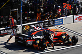 2017 NASCAR Monster Energy Cup Series - Daytona 500<br /> Daytona International Speedway, Daytona Beach, FL USA<br /> Sunday 26 February 2017<br /> Martin Truex Jr, Bass Pro Shops/TRACKER BOATS Toyota Camry pit stop<br /> World Copyright: Nigel Kinrade/LAT Images<br /> <br /> ref: Digital Image 17DAY2nk14417