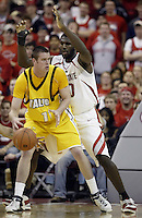 2 December 2006: Ohio State's Greg Oden, right, defends against against Valparaiso's Calum Macleod at Value City Arena in Columbus, Ohio. Oden was the nation's top high school player for the past two years and made his college debut tonight after sitting out with a wrist injury.<br />