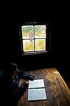 Ducan hut buitl in 1910 by hunters, one of the oldest hut of the track...Arrivée à Ducane Hut, construite en 1910 par des trappeurs, l'un des refuges les plus anciens du trek