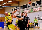 Deutschland - Sport<br /> Handball - Aufstiegsrunde zur 2. Bundesliga<br /> TuS Dansenberg (dan) - HSG Krefeld Niederrhein (kref) 24:21<br /> Domagoj SRSEN (Krefeld), li - Jan CLAUSSEN (TuS Dansenberg)<br /> <br /> Foto © PIX-Sportfotos *** Foto ist honorarpflichtig! *** Auf Anfrage in hoeherer Qualitaet/Aufloesung. Belegexemplar erbeten. Veroeffentlichung ausschliesslich fuer journalistisch-publizistische Zwecke. For editorial use only.