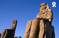 Egypt, Luxor, Thebes, Colossi of Memnon (Licence this image exclusively with Getty: http://www.gettyimages.com/detail/sb10066434c-001 )