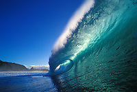 Beautiful wave rolling in on the north shore of Oahu