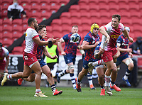 27th March 2021; Ashton Gate Stadium, Bristol, England; Premiership Rugby Union, Bristol Bears versus Harlequins; Andre Esterhuizen offloads to Joe Marchant of Harlequins who goes on to score his try