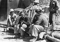 1980 FILE PHOTO - ARCHIVES -<br /> <br /> Mine BALMORAL, Val d'or, mai 1980, 8 mineurs sont prisonniers sous terre.<br /> <br /> PHOTO :  Dick Loeb - Toronto Star Archives - AQP