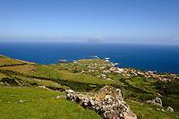 Blick auf Ponta Delgada auf der Insel Flores, Azoren, Portugal