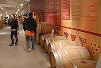 - Eataly, market for the sale of quality Italian food, the wine cellar<br /> <br /> - Eataly, market per la vendita del cibo italiano di qualità, la cantina del vino