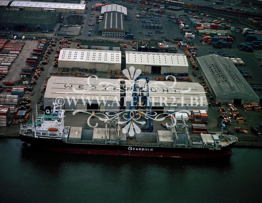 April 1980. Schip Nandu Arrow bij Westerlund in de Haven van Antwerpen.