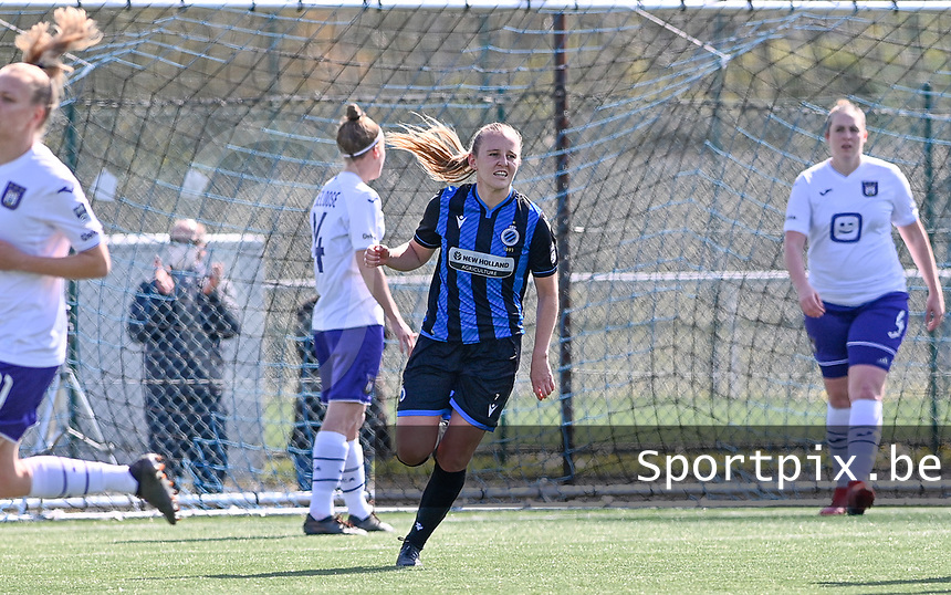 Elle Decorte (7) of Club Brugge pictured celebrating after scoring a goal during a female soccer game between Club Brugge Dames YLA and RSC Anderlecht on the fourth matchday in Play-Off 1 of the 2020 - 2021 season of Belgian Scooore Womens Super League , saturday 1st May 2021  in Brugge , Belgium . PHOTO SPORTPIX.BE | SPP | DAVID CATRY