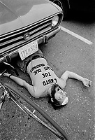 Simulation ''L'auto tue'', 1976<br /> <br />  PHOTO : Alain Renaud - Agence Québec Presse.