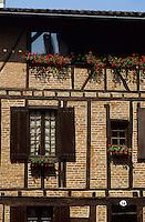 Europe/France/Midi-Pyrénées/81/Tarn/ Albi:  Détail vieille maison rue Puech Berenguier