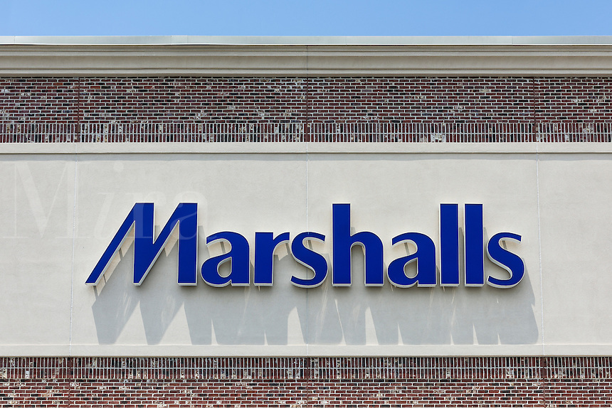 Marshalls deparment store exterior.