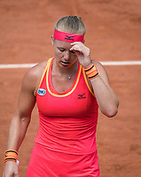 Paris, France, 31 May, 2017, Tennis, French Open, Roland Garros, Kiki Bertens (NED) is frustrated<br /> Photo: Henk Koster/tennisimages.com
