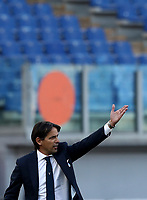 Football, Serie A: S.S. Lazio - Sampdoria, Olympic stadium, Rome, February 20, 2020. <br /> Lazio's coach Simone Inzaghi speaks to his players during the Italian Serie A football match between S.S. Lazio and Sampdoria at Rome's Olympic stadium, Rome, on February 20, 2021.  <br /> UPDATE IMAGES PRESS/Isabella Bonotto
