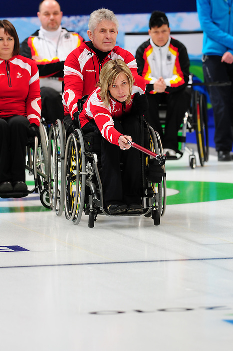 Sonja Gaudet, Vancouver 2010 - Wheelchair Curling // Curling en fauteuil roulant.<br /> Team Canada competes in Wheelchair Curling // Équipe Canada participe en curling en fauteuil roulant. 17/03/2010.