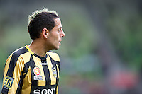 MELBOURNE, AUSTRALIA - SEPTEMBER 19, 2010: Leo Bertos from the Phoenix prepares to take a corner kick in Round 7 of the 2010 A-League between the Melbourne Heart and Wellington Phoenix at AAMI Park on September 19, 2010 in Melbourne, Australia. (Photo by Sydney Low / Asterisk Images)