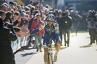 high 5's by Tom Boonen (BEL/Quick-Step Floors) at the (new) race start in Antwerpen<br /> <br /> 101th Ronde Van Vlaanderen 2017 (1.UWT)<br /> 1day race: Antwerp › Oudenaarde - BEL (260km)