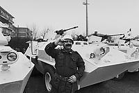 - peace mission of Italian Armed Forces in Lebanon in 1982, departure of Lodi light cavalry  battalion  ....- missione di pace delle forze armate italiane in Libano nel 1982, partenza del battaglione Cavalleggeri di Lodi