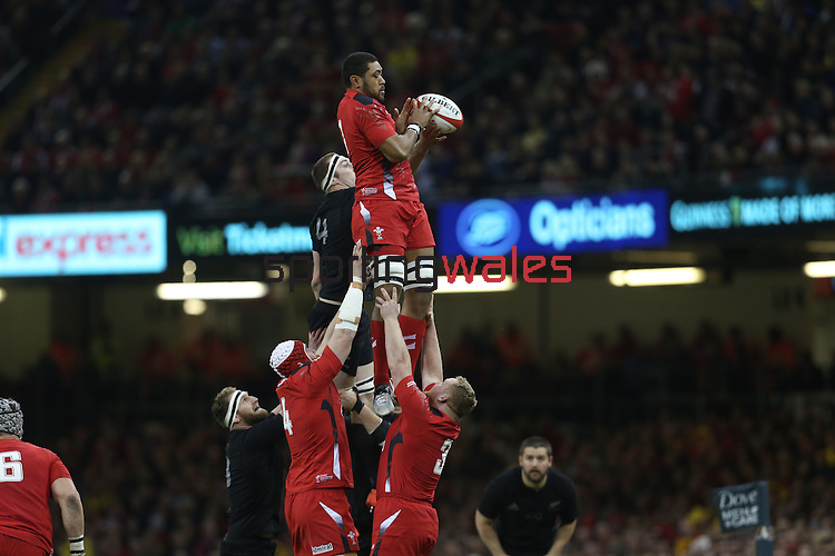 Wales number 8 Taulupe Faletau takes the early line out ball.<br /> Dove men Series 2014<br /> Wales v New Zealand<br /> 22.11.14<br /> ©Steve Pope -SPORTINGWALES