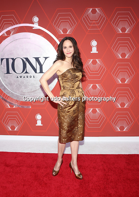 Mary-Louise Parker attends the 74th Tony Awards-Broadway's Back! arrivals at the Winter Garden Theatre in New York, NY, on September 26, 2021. (Photo by Udo Salters/Sipa USA)