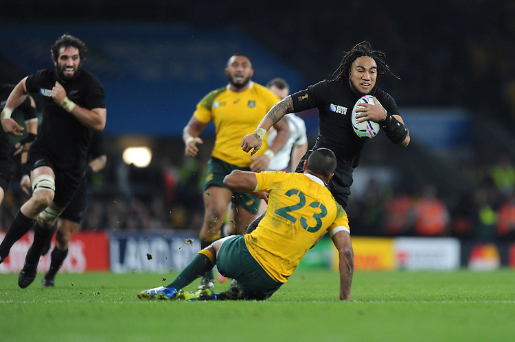 Ma'a Nonu of New Zealand wrong foots Kurtley Beale of Australia and goes on to score a try during the Rugby World Cup Final between New Zealand and Australia - 31/10/2015 - Twickenham Stadium, London<br /> Mandatory Credit: Rob Munro/Stewart Communications