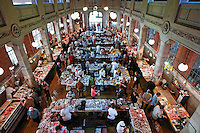 KROATIEN, 04.2007, Rijeka. © Petar Kurschner/EST&OST<br /> Der beruehmte Fischmarkt. | The famous fishmarket.