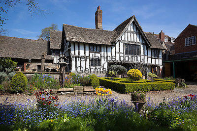 United Kingdom, England, Worcestershire, Evesham: The Almonry Heritage Centre and garden | Grossbritannien, England, Worcestershire, Evesham: The Almonry Heritage Centre und Garten